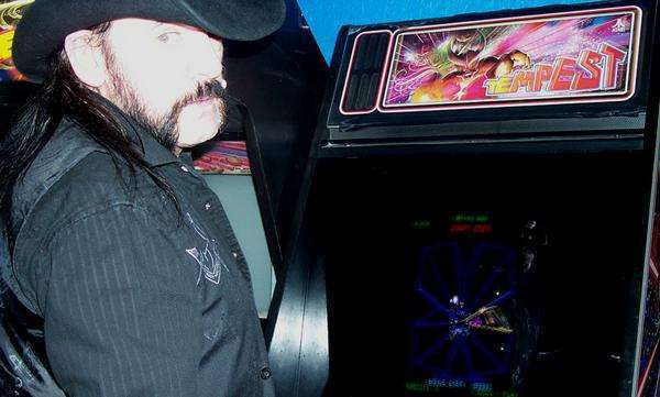 CLOSED For Business 12/24 + 12/25 – Happy Birthday, Lemmy!